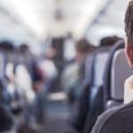 podroznik w samolocie