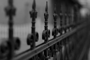 Solidna brama wiele wytrzyma