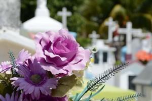Jakie są potrzebne dokumenty do zorganizowania pogrzebu?