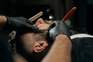O czym pamiętać przy wyborze szczotki do brody?